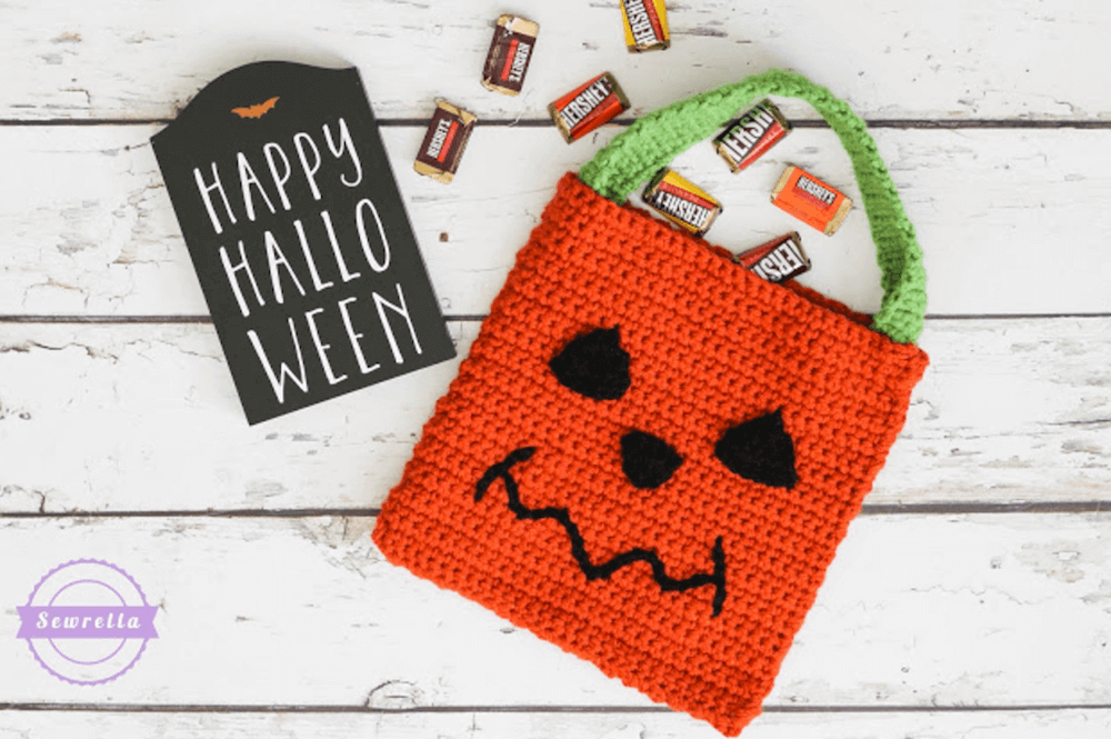 pumpkin crochet trick-pr-treat bag pattern by sewrella